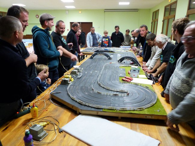 Concours de slot-racing - le circuit 24 (copie)